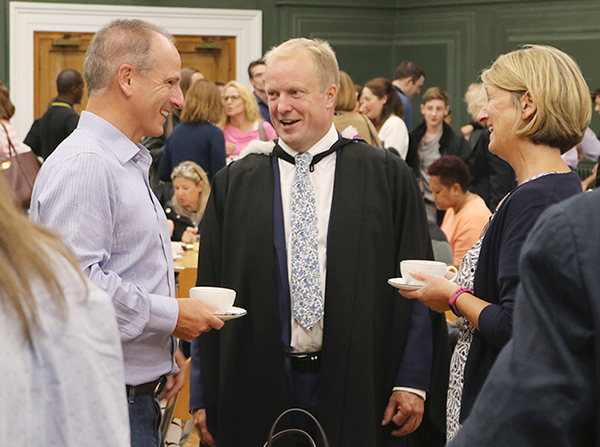 Headmaster welcomes new pupils and their families